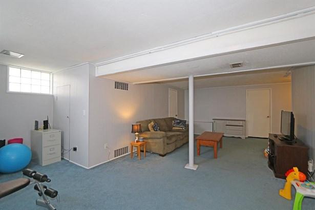 5637 Lawrence Rd , Cincinnati, OH - USA (photo 5)