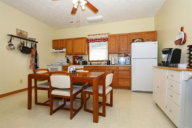 407 Dudley St , Blanchester, OH - USA (photo 4)