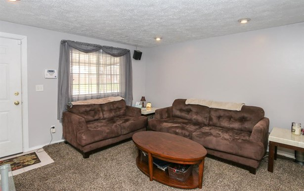 7630 Stonecrest Dr , Huber Heights, OH - USA (photo 3)