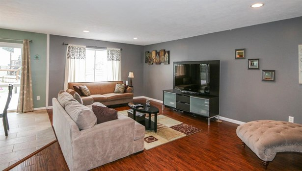 321 Lakeview Dr , Franklin, OH - USA (photo 3)