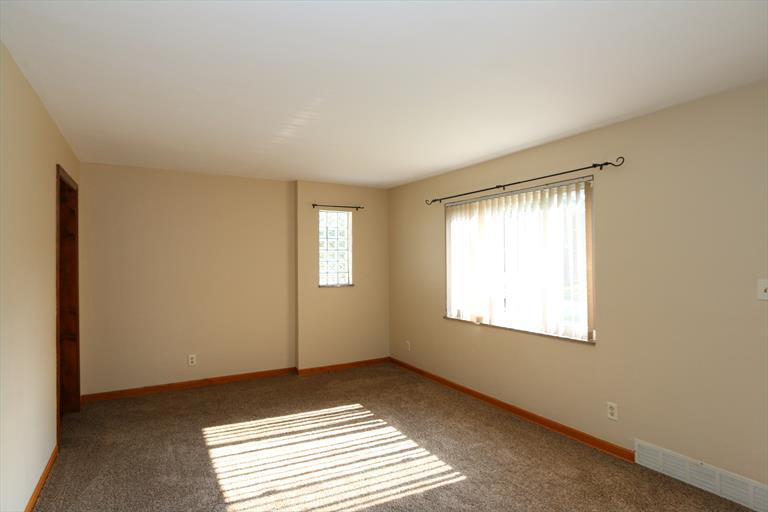 3237 Fairway Dr, Kettering, OH - USA (photo 5)