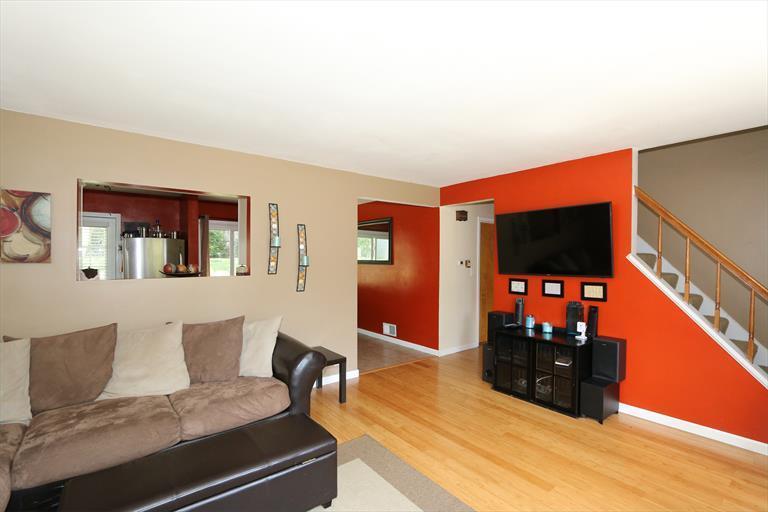 405 Ingram Rd, Greenhills, OH - USA (photo 5)