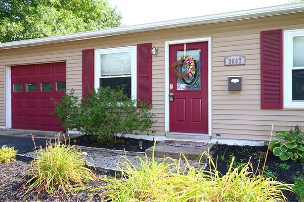 3607 Sweetwood Ct , Colerain, OH - USA (photo 2)