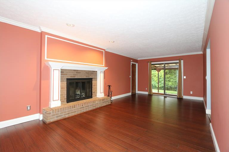 11421 Oakstand Dr, Forest Park, OH - USA (photo 5)