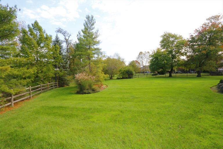 5080 Rollman Estates Dr, Amberley, OH - USA (photo 4)