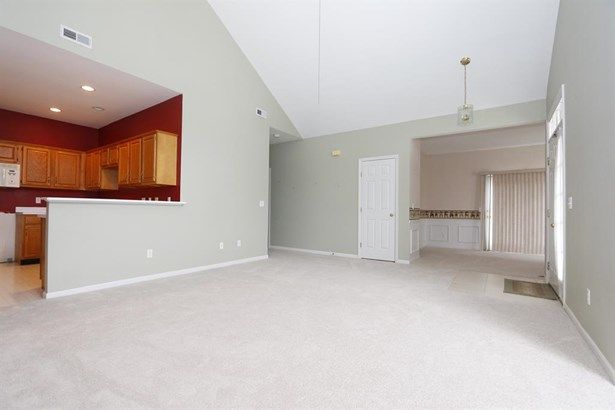 302 Traverse Creek Dr , Day Heights, OH - USA (photo 4)