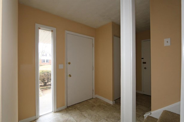 830 Clearfield Ln , Springdale, OH - USA (photo 2)
