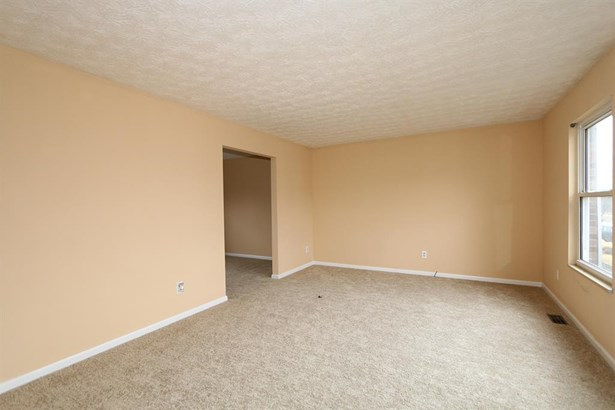 830 Clearfield Ln , Springdale, OH - USA (photo 4)