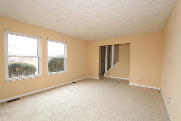 830 Clearfield Ln , Springdale, OH - USA (photo 5)