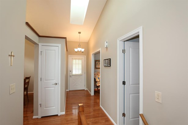 5406 Dickens Dr , Sharonville, OH - USA (photo 3)