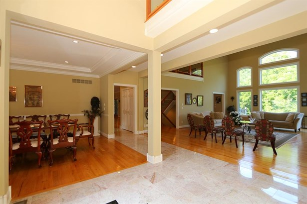 8327 Old Hickory Dr , Indian Hill, OH - USA (photo 3)
