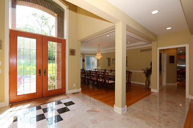 8327 Old Hickory Dr , Indian Hill, OH - USA (photo 4)