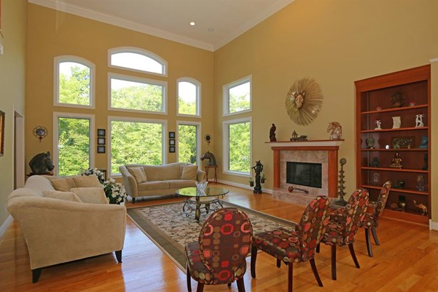 8327 Old Hickory Dr , Indian Hill, OH - USA (photo 5)
