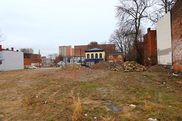 845 Charlotte St , Cincinnati, OH - USA (photo 2)