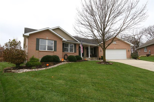 4904 Oaks Ct , Middletown, OH - USA (photo 1)