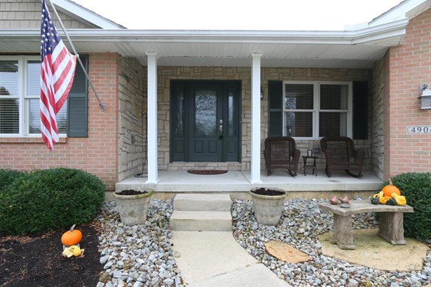 4904 Oaks Ct , Middletown, OH - USA (photo 2)