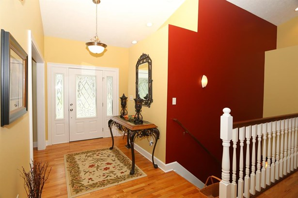 4904 Oaks Ct , Middletown, OH - USA (photo 3)
