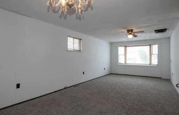 6606 Helwig Dr , Huber Heights, OH - USA (photo 5)