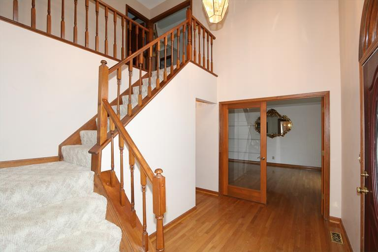 735 Foresthill Dr, Crescent Springs, KY - USA (photo 3)