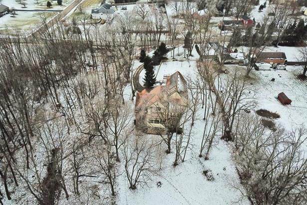 330 S Alpha Bellbrook Rd, Bellbrook, OH - USA (photo 2)