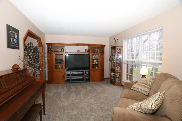 5785 Mt Vernon Dr , Day Heights, OH - USA (photo 3)