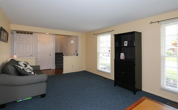 7240 Claybeck Dr , Huber Heights, OH - USA (photo 4)