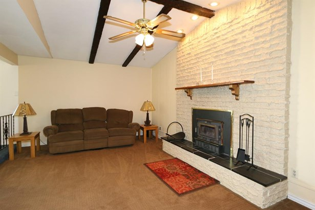 7240 Claybeck Dr , Huber Heights, OH - USA (photo 5)