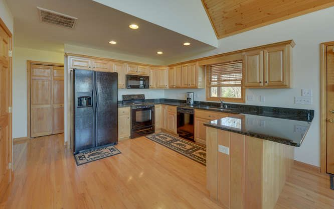Chalet, Residential - Brasstown, NC (photo 4)