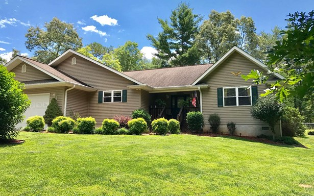 Ranch,Traditional, Residential - Murphy, NC