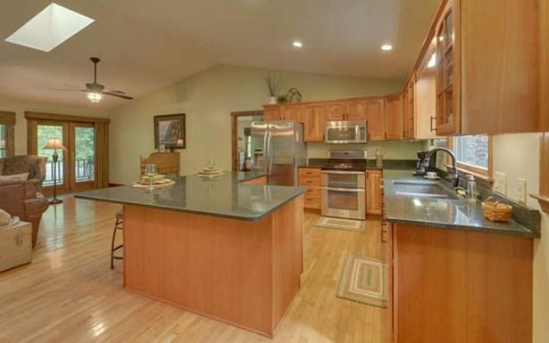 Residential, Ranch - Hayesville, NC (photo 3)