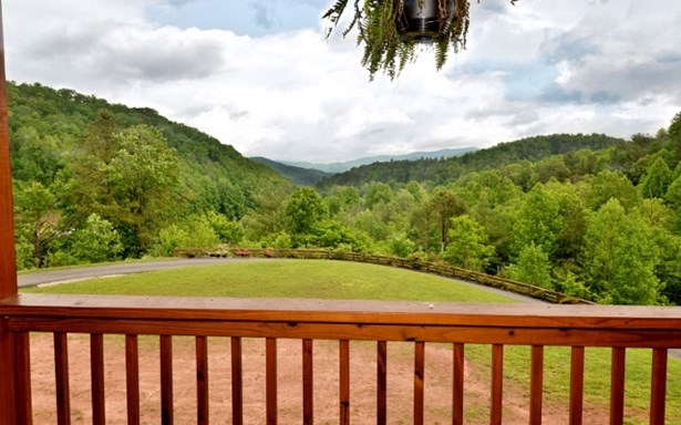 Residential, Country Rustic,Two Story - Robbinsville, NC (photo 1)