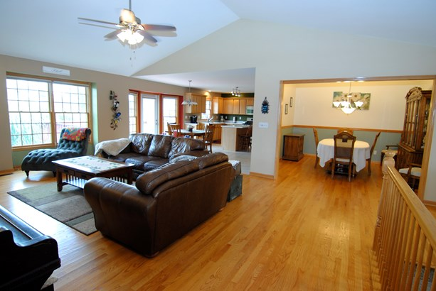 1 Story, Ranch - SYCAMORE, IL (photo 5)