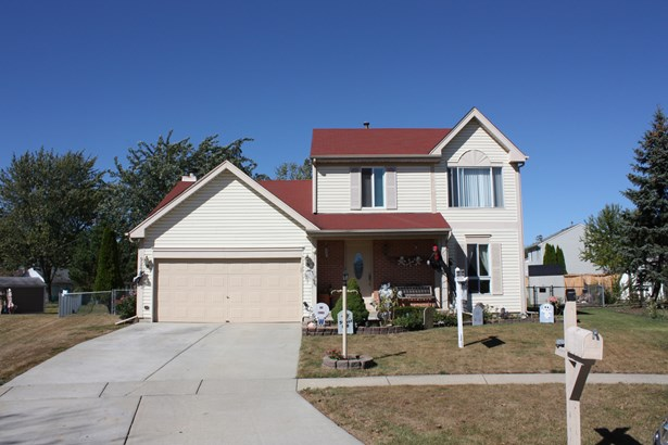 2 Stories, Traditional - STREAMWOOD, IL (photo 1)