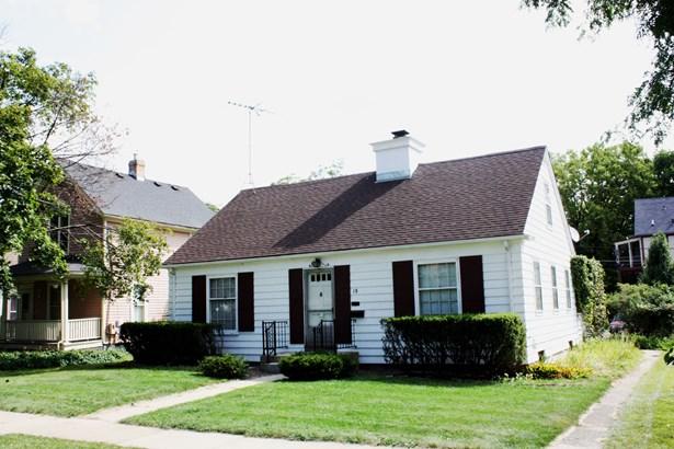 1.5 Story - ELGIN, IL (photo 1)
