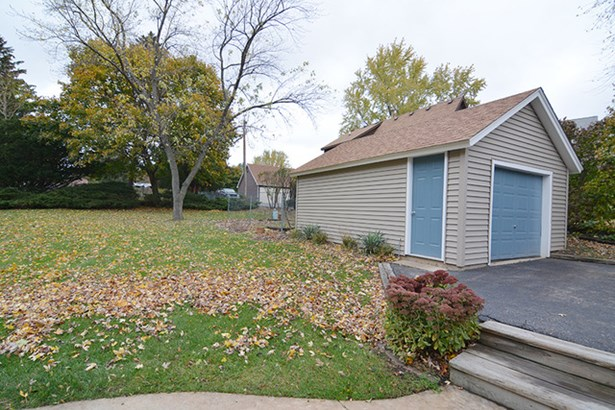 2 Flat, Traditional - EAST DUNDEE, IL (photo 3)