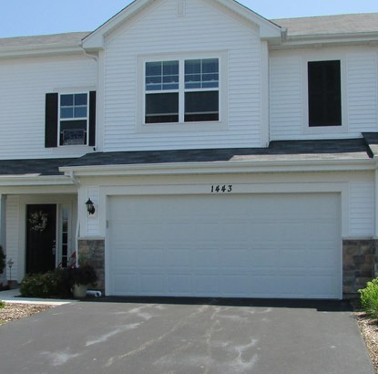 Townhouse-2 Story - PINGREE GROVE, IL (photo 1)