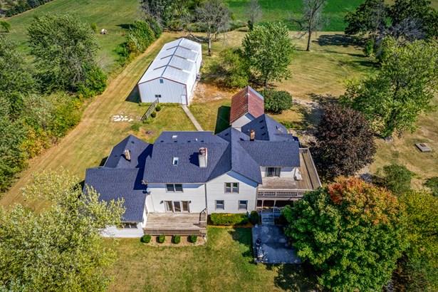 Farmhouse, 2 Stories - SYCAMORE, IL (photo 1)