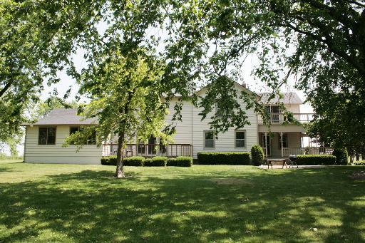 Farmhouse, 2 Stories - SYCAMORE, IL (photo 4)