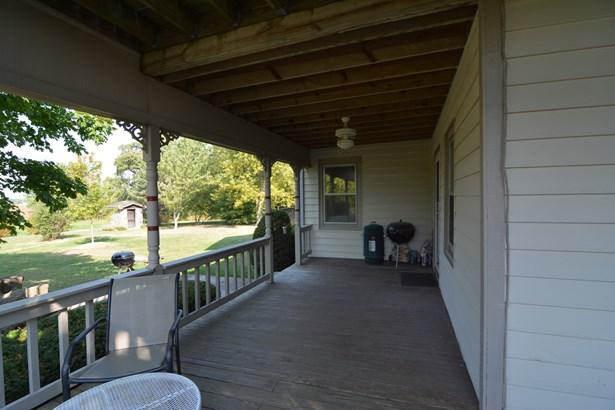 Farmhouse, 2 Stories - SYCAMORE, IL (photo 5)