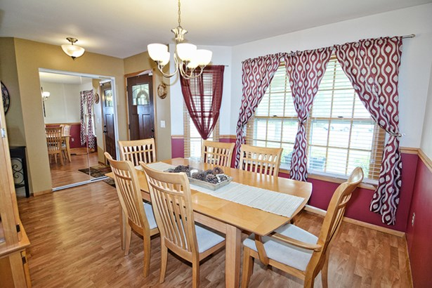 1 Story, Ranch - SOUTH ELGIN, IL (photo 5)