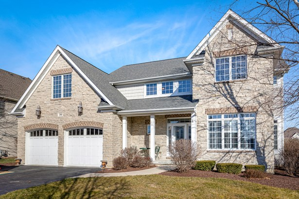 2 Stories, Traditional - Elburn, IL