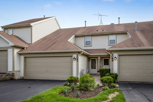 Townhouse-2 Story - LAKE IN THE HILLS, IL (photo 1)
