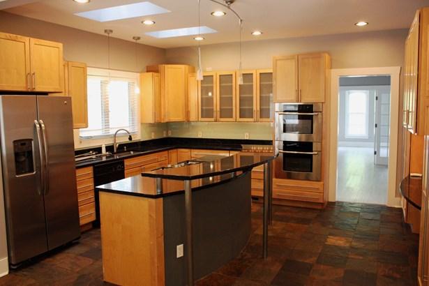 Residential Rental - ELGIN, IL (photo 2)