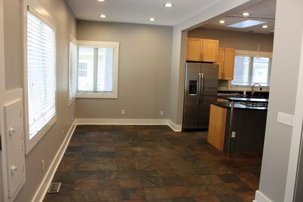 Residential Rental - ELGIN, IL (photo 5)
