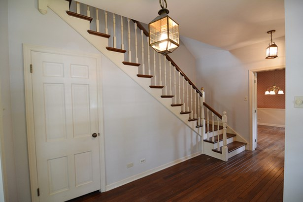 Farmhouse, 2 Stories - WEST DUNDEE, IL (photo 5)