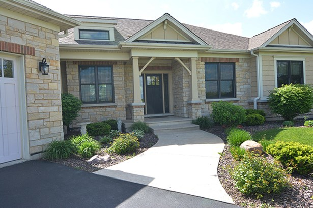 1 Story, Contemporary - HUNTLEY, IL (photo 2)