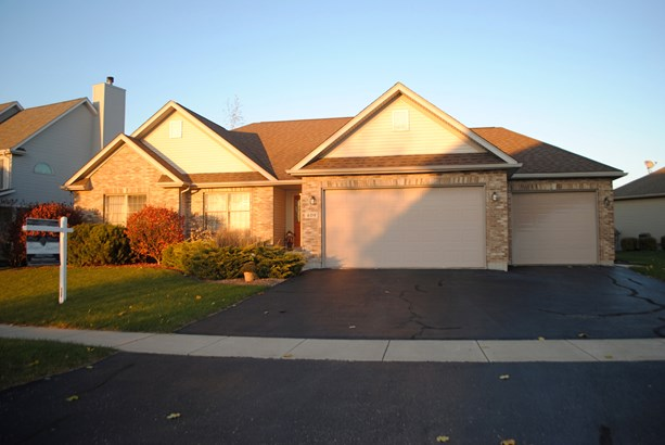 1 Story, Ranch - SYCAMORE, IL (photo 1)