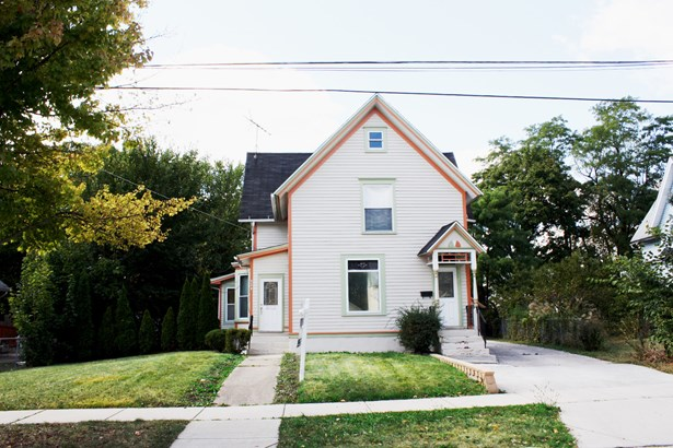 2 Flat, Traditional - ELGIN, IL (photo 1)