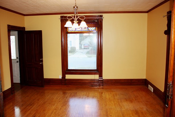 2 Flat, Traditional - ELGIN, IL (photo 3)