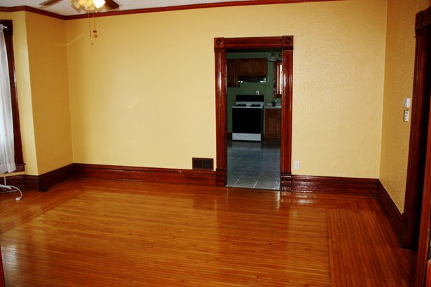 2 Flat, Traditional - ELGIN, IL (photo 5)